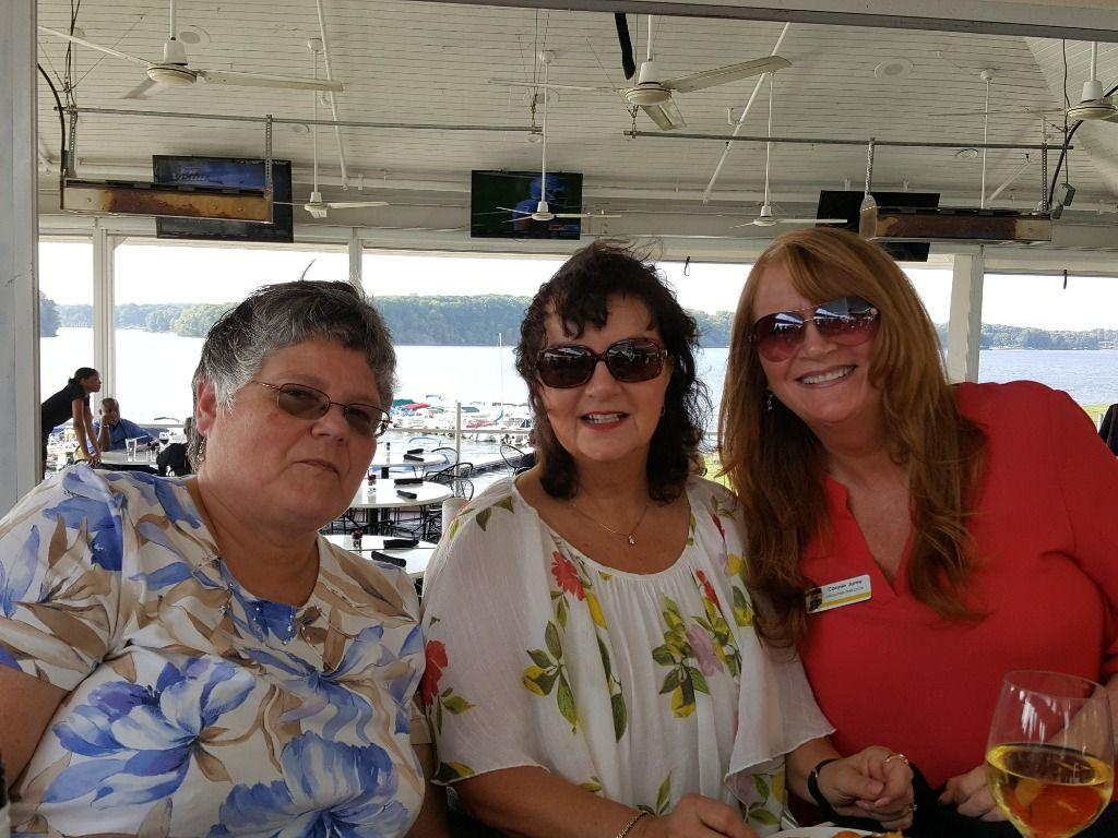 Marilyn White, Dee Young, Connie Jurey